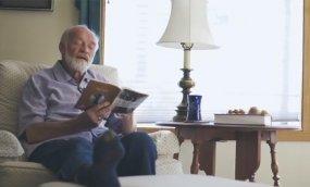 Eugene Peterson Reading